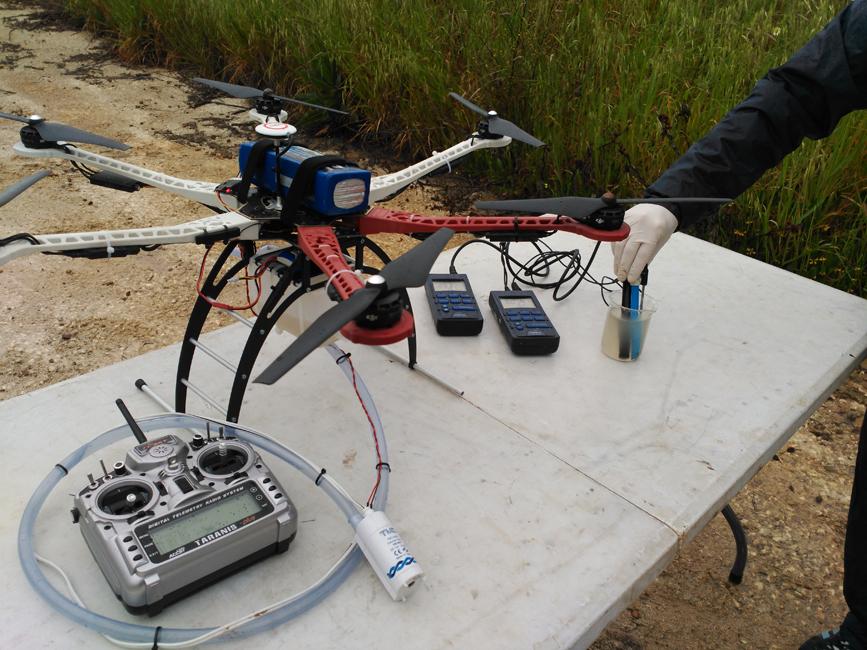 drones muestras de agua